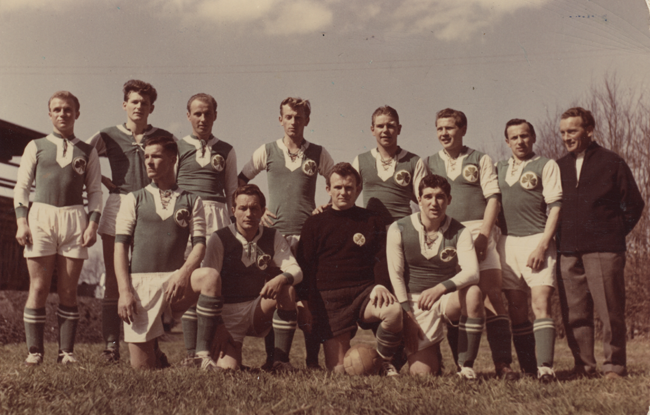 Len Oliver with the Bad Aibling team in Germany in 1958. Photo courtesy of Len Oliver.