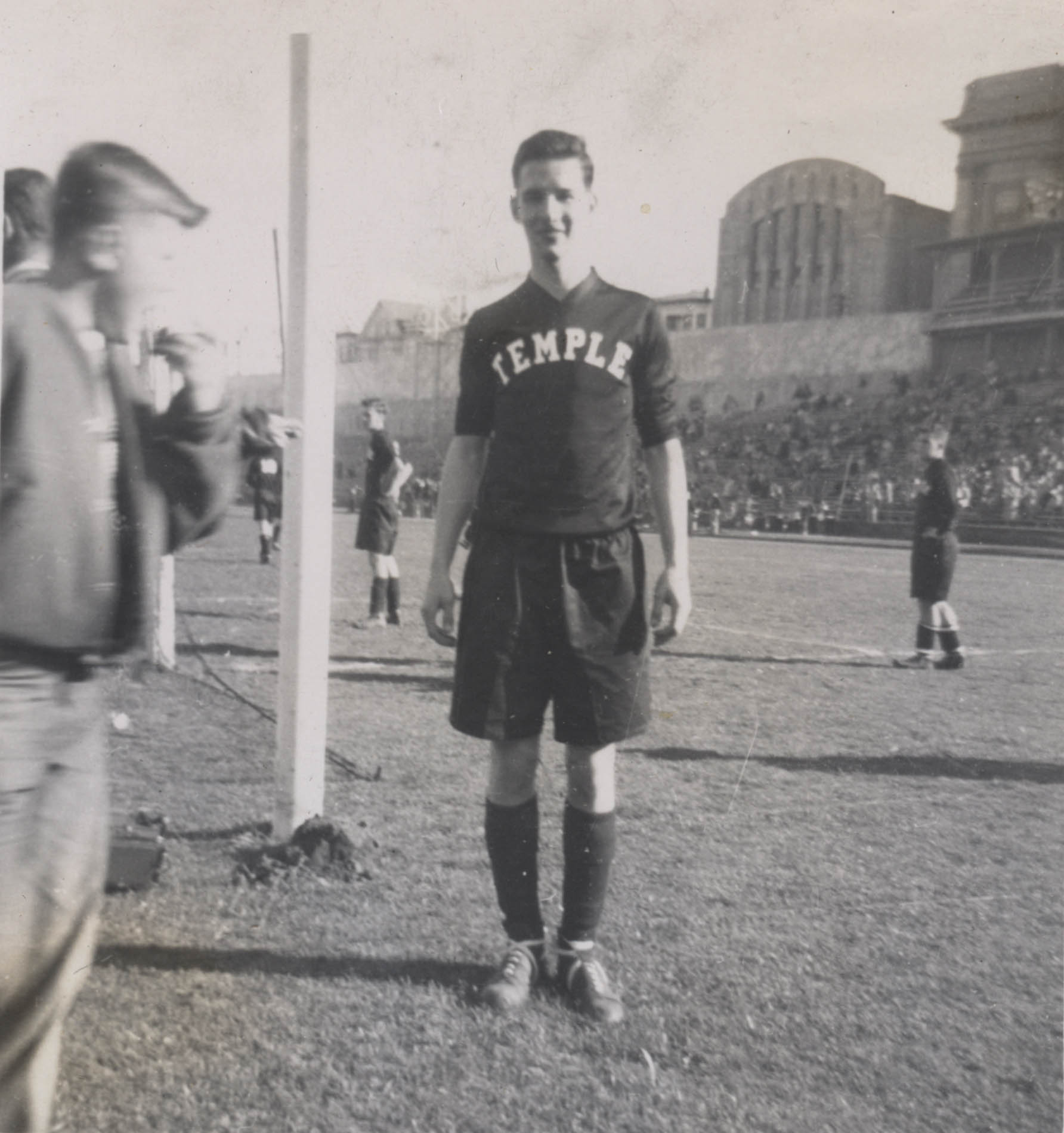 Oliver at the 1951 College Bowl in San Francisco. Photo courtesy of Len Oliver.